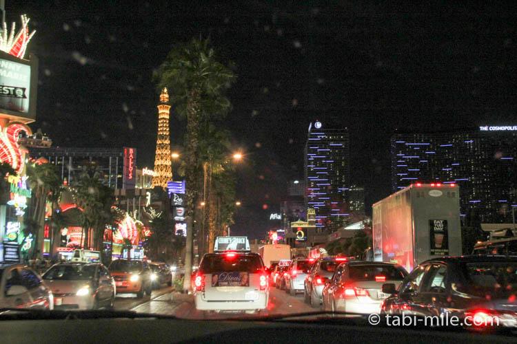 夜のラスベガス レンタカーからの車窓