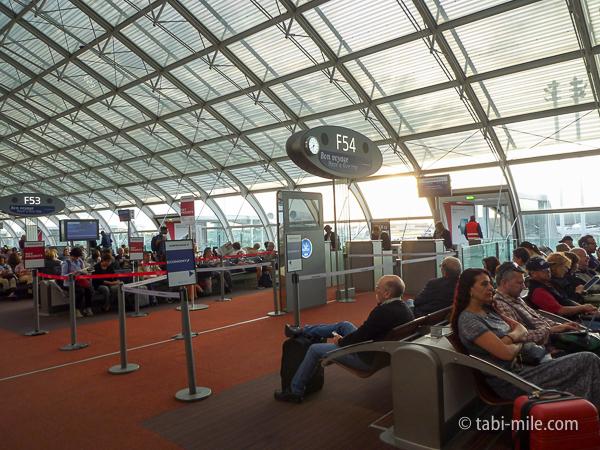 シャルルドゴール空港での乗り継ぎでご紹介!