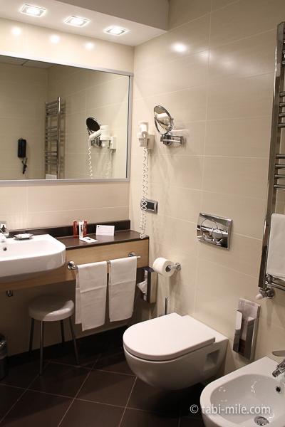 IQホテル 洗面所 全体像