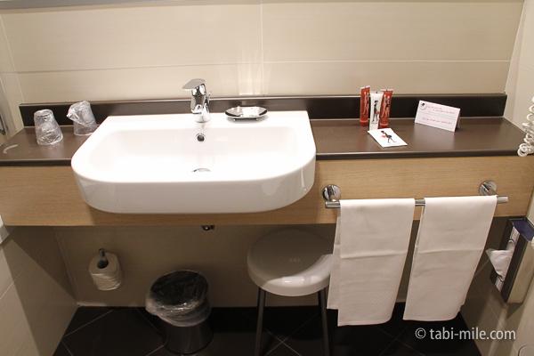 IQホテル 洗面所