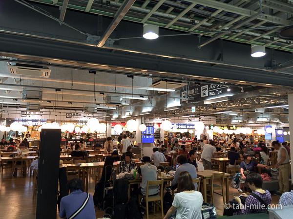 羽田空港第3ターミナルフードコート1