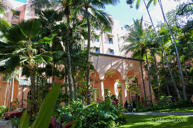 ハワイロイヤルハワイアンホテル入り口