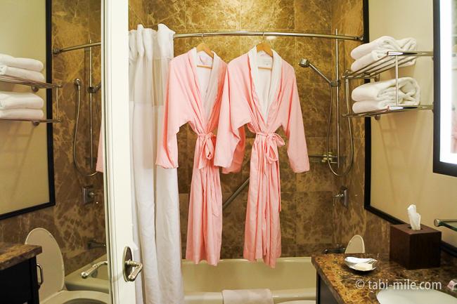 ハワイロイヤルハワイアンホテル部屋ヒストリックガーデンピンクバスローブ