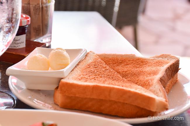 ロイヤルハワイアンホテルサーフラナイ朝食カルアポークハッシュ食パン