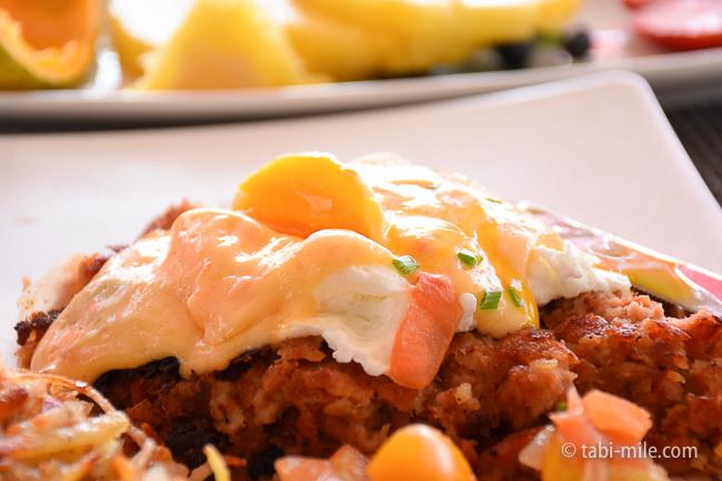 ロイヤルハワイアンホテルサーフラナイ朝食カルアポークハッシュ半熟卵