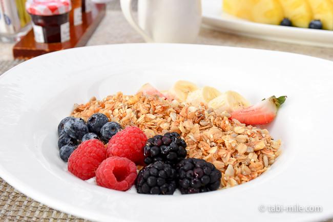 ロイヤルハワイアンホテルサーフラナイ朝食ミュースリパフェ