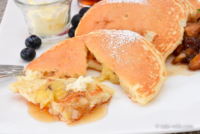 ロイヤルハワイアンホテルサーフラナイ朝食バターミルクパンケーキバナナマカダミアナッツ