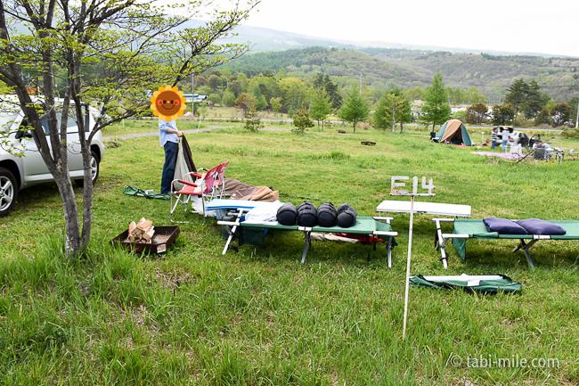 無印良品カンパーニャ嬬恋キャンプ場E14サイトテント組み立て