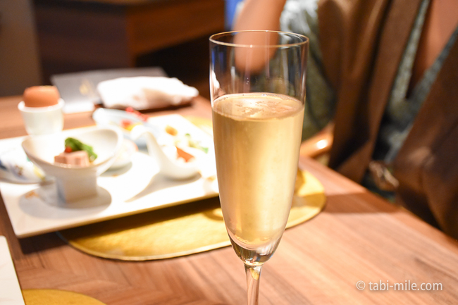 鬼怒川金谷ホテル夕食シャンパン