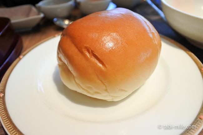 鬼怒川金谷ホテル朝食洋食ロールパン