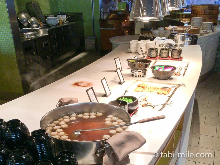 ヒルトン東京ベイ 朝食ブッフェ 和食おかず つみれ汁