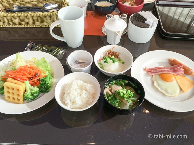 ヒルトン東京ベイ朝食ビュッフェご飯汁物