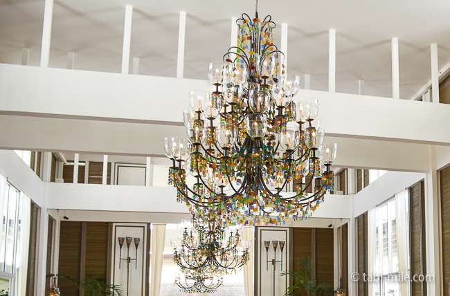カハラホテルロビーシャンデリア