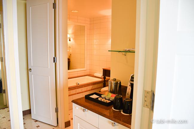 カハラホテル部屋オーシャンビューシャワーバストイレ