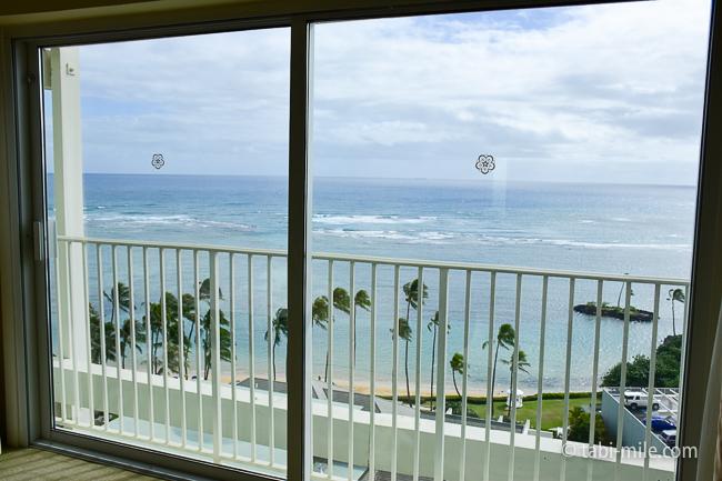 カハラホテル部屋オーシャンビュー窓