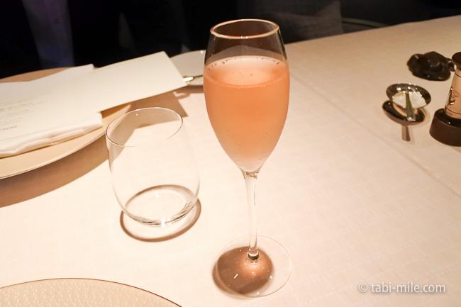 ベージュ アラン・デュカス東京ノンアルコールシャンパン