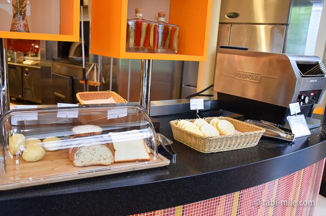 シェラトングランデ東京ベイグランカフェ朝食ビュッフェイングリッシュマフィンバケット