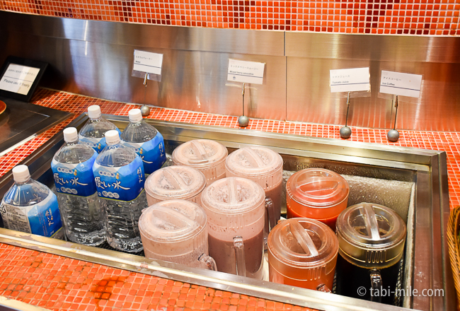 シェラトングランデ東京ベイグランカフェ朝食ビュッフェヨーグルトジュース水