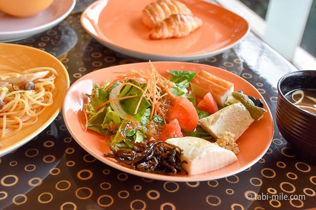 シェラトングランデ東京ベイグランカフェ朝食ビュッフェサラダ豆腐昆布