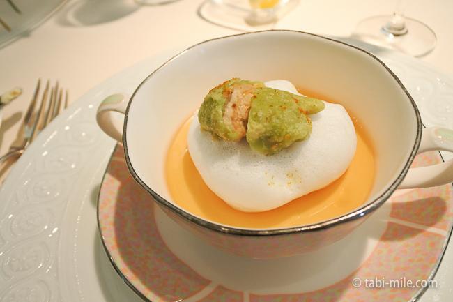 オテル・ドゥ・ミクニランチ前菜じゃがいもミルクの泡貝