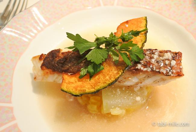 オテル・ドゥ・ミクニランチ魚料理真鯛かぼちゃ