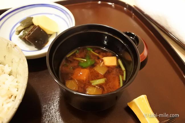 銀座レストランウィーク日本料理和久田赤だしの味噌汁