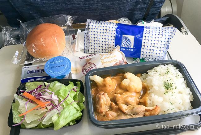 ユナイテッド航空グアム往路機内食チキン