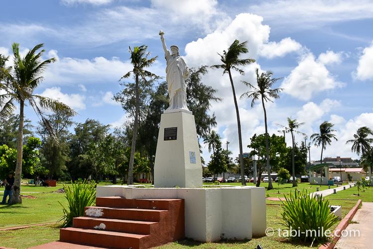 ハガニア地区自由の女神像10分の1