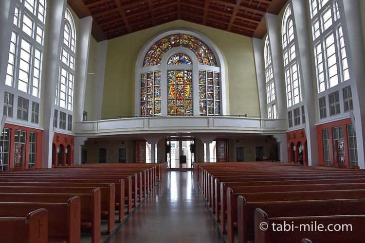 ハガニア地区聖母マリア大聖堂内装背後