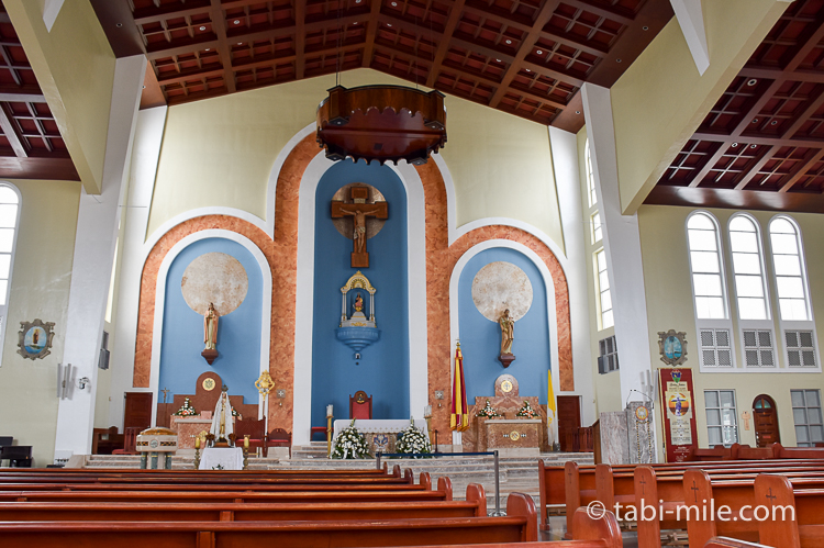 ハガニア地区聖母マリア大聖堂内装正面