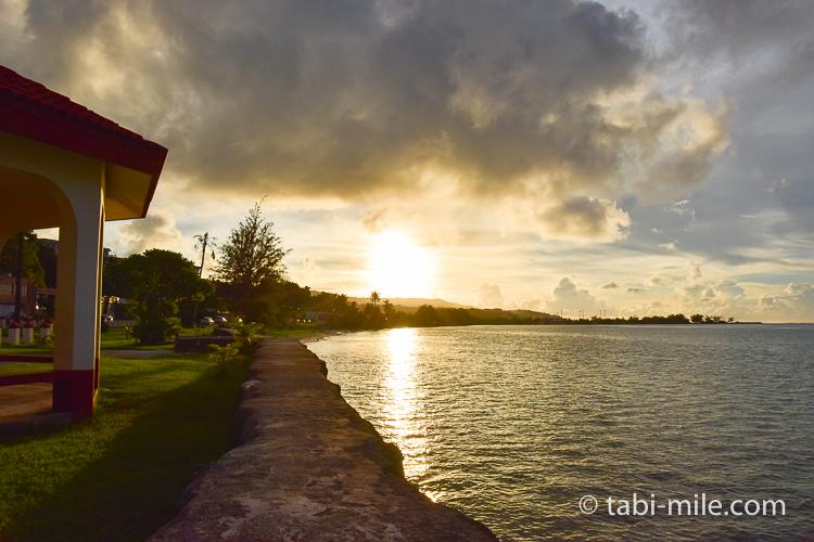 ハガニア地区海岸沿い夕日