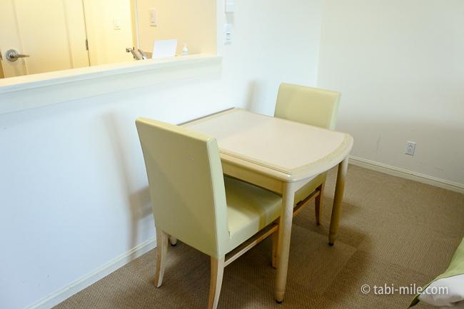 レオパレスリゾートグアム部屋コンドミニアム棟椅子机