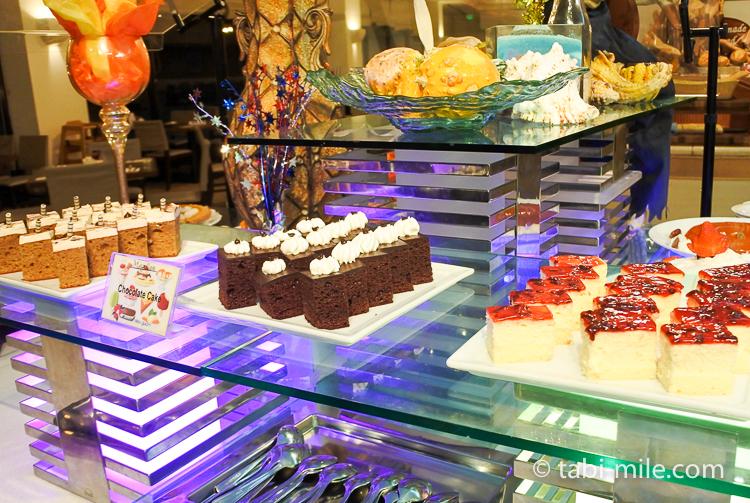 ホテルニッコーグアム マゼランブッフェ チョコケーキチーズケーキ