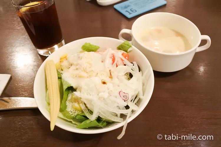 ホテルニッコーグアム マゼランブッフェ サラダとスープ