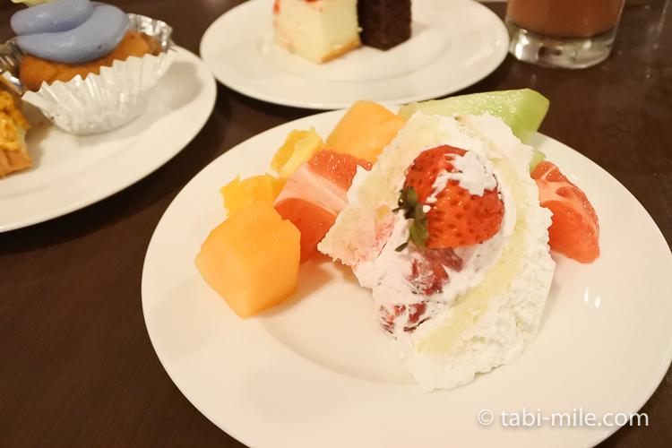 ホテルニッコーグアム マゼランブッフェ ケーキ盛り合わせ1