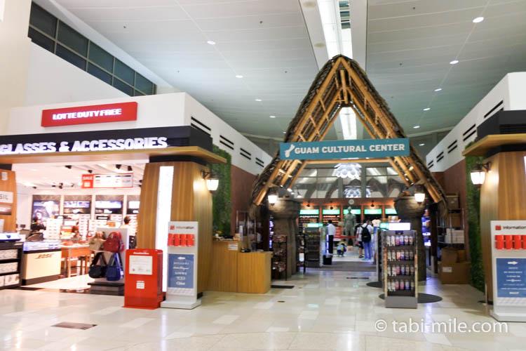 グアム空港ロッテ免税店 地元土産コーナー入り口