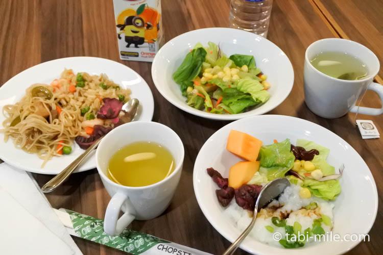 グアム国際空港サガンビスタラウンジ 朝食