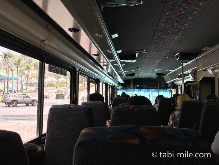 グアム グアム旅行 ココパームガーデンビーチ 送迎バス 車内