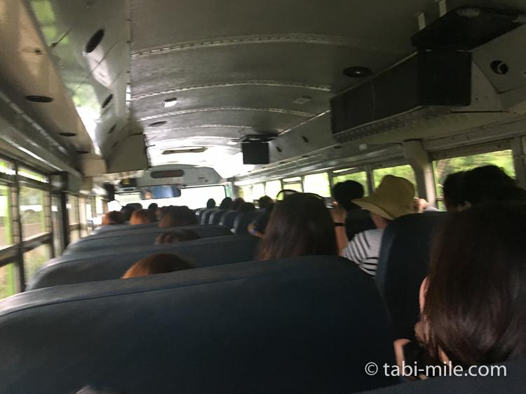 グアム旅行 ココパームガーデンビーチ 帰りのバスの様子1