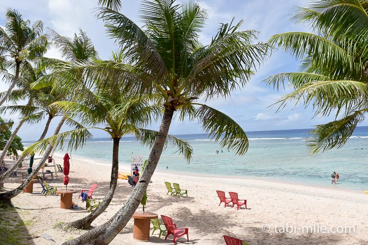 グアム旅行 ココパームガーデンビーチ ビーチパラソル1