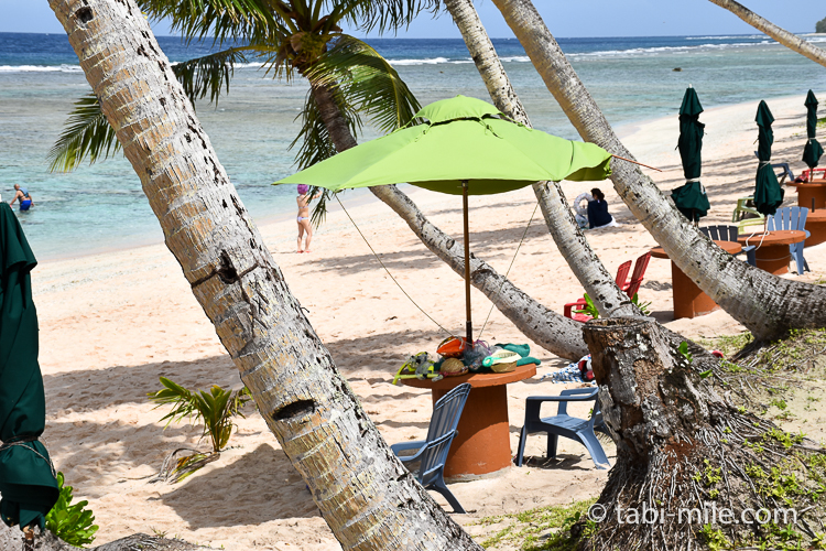 グアム旅行 ココパームガーデンビーチ ビーチパラソル2