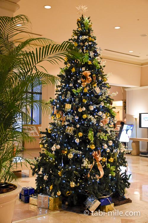 ホテルオークラ東京ベイ 大きなクリスマスツリー 夜