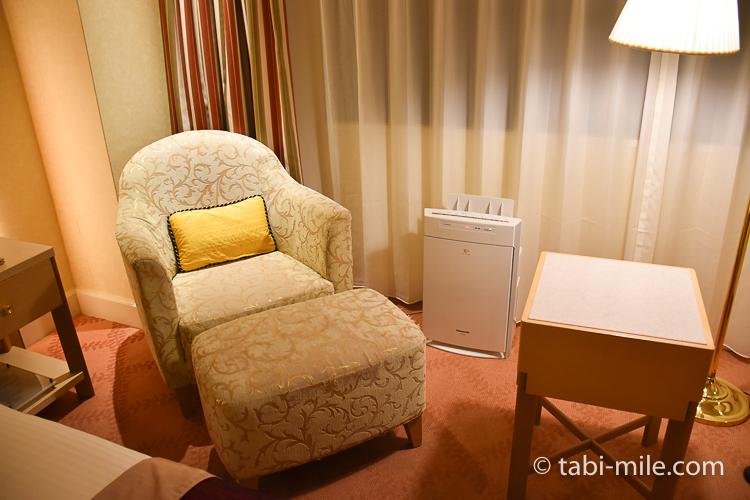 ホテルオークラ東京ベイ デラックスルーム 1人用ソファ