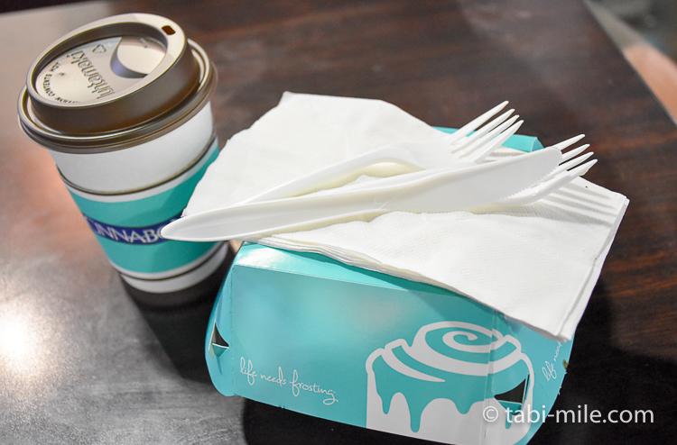 グアム GPO店 シナボン シナモンロール コーヒー1