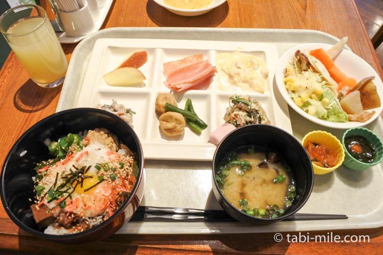 ホテルJALシティ青森 ラ・セーラ 朝食 風景 のっけ丼