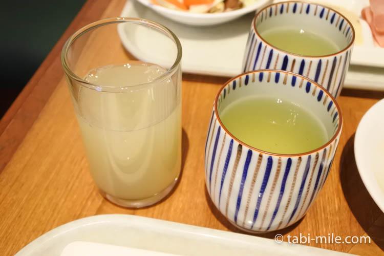 ホテルJALシティ青森 ラ・セーラ 朝食 リンゴジュース 緑茶