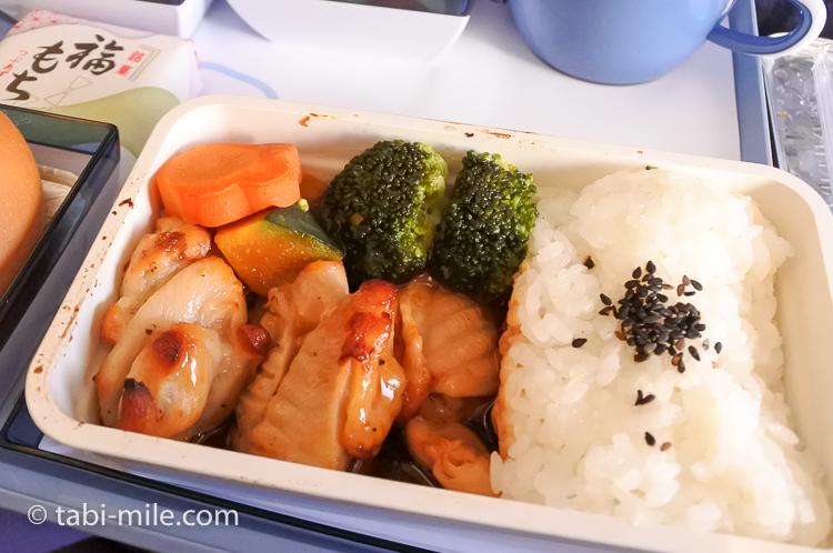 チャイナエアライン エコノミークラス 機内食 行き チキン2