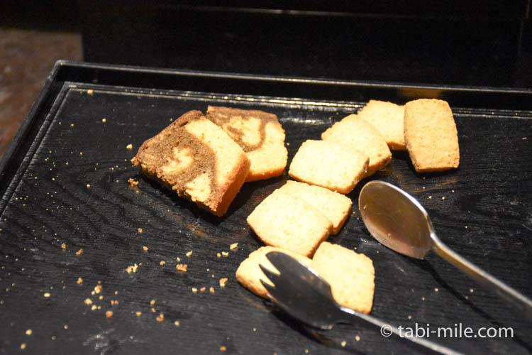 マリオット東京 エグゼクティブラウンジ アフタヌーンティーパウンドケーキクッキー