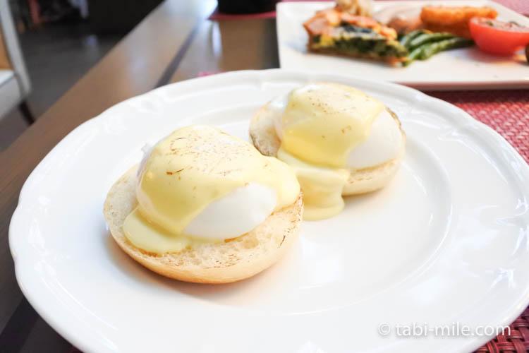 マリオット東京 朝食 エッグベネディクト1