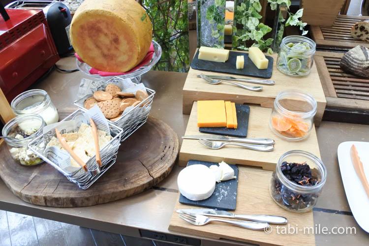 マリオット東京 朝食 チーズ